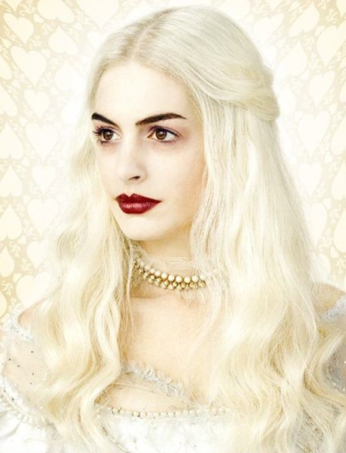 Anne Hathaway como Rainha Branca